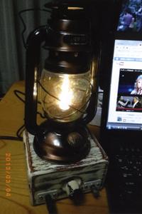 ☆ランプ付きケース [編集部コメント] ランプ付きケースはインパクト大。LEDの灯りで精神面にもリラックス効果があるのでは